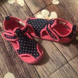 OshKosh B'Gosh toddler girl water shoes 9T